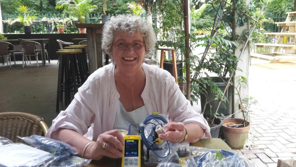 Donatie saturatiemeters Ann van Haren