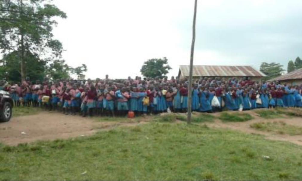 Kenia West 2013